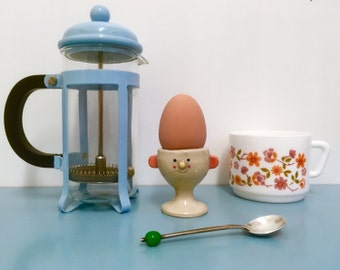 face egg cup/smiley egg cup/head egg cup/breakfast time/egg cup pot/face pot/face planter/face vessel/happy egg cup/egg holder/fun egg cup