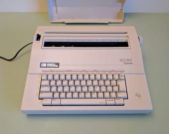 Smith-Corona 250 DLE electronic typewriter