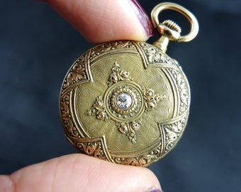 Col in yellow gold 18KT and diamond - nineteenth century Watch / / / Pocket watch in 18KT gold with diamond - 19th century