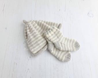 Hand knit baby set | stripe hat & socks | merino wool beanie and socks | hand knit baby clothes | baby shower gift set | baby girl/boy gift