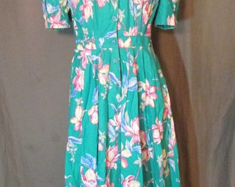 1980s Does 1940s Teal Floral Print Shirt Waist Dress with Puff Sleeves and Pockets by Carol Anderson