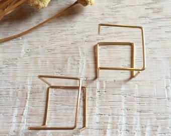 Pin thread earrings, Punk style earrings, minimal earrings, Black threader earrings, Gold threader earrings, Punk earrings, Cube earrings.