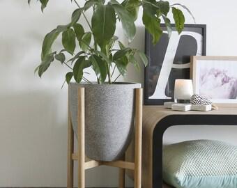 Medium pot planter with timber legs - Mio series - GREY TERRAZZO
