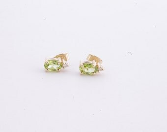 Vintage 14K Yellow Gold Peridot & Diamond Stud Earrings
