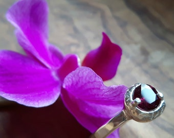 Sterling Silver ring with Rhodolite Garnet Stone