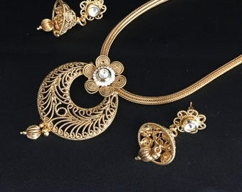 Indian Jewelry - Kundan Jewelry - Jhumki Earrings - Indian Earrings - Indian Bridal - Pakistani Jewelry - Pakistani Bridal - Bollywood -