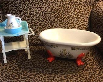 Muffy VanderBear Bath Set Ceramic Tub Wooden Washstand Ceramic Bowl & Pitcher Set 1994