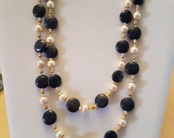 Necklace with lapis lazuli and beads two rows