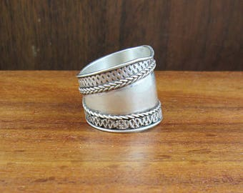 925 Sterling Silver Thick Band Ring - Size 6.25