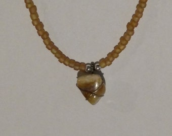 Handmade beaded necklace with genuine polished agate pendant