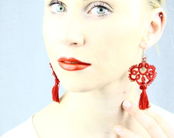 Red lace earring