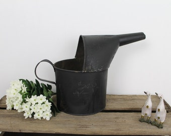 Vintage Oil Can/ Tin Oil Can/ Garden Decor/ Industrial Decor/ Tin Watering Can/1970s/SALE(0022Y)