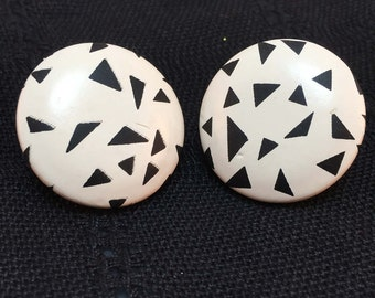 Vintage 1980's Black and White post Earrings