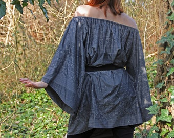 Wide gray pattern dress with Bell sleeves and Carmen snippet