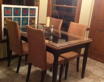 Pier 1 Dining table and six chairs