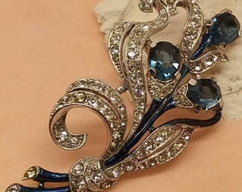 Vintage 1940s Trifari blue and white cat tail style brooch