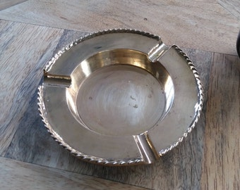 Beautiful vintage solid brass ashtray. Vintage brass ashtray