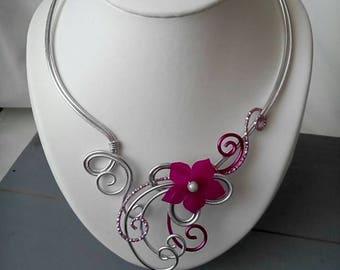 Aluminum silver and Fuchsia wire necklace