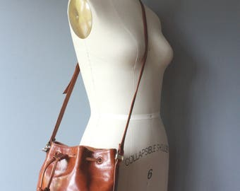 vintage brown leather bucket bag / drawstring pebbled smooth leather purse / cross body purse