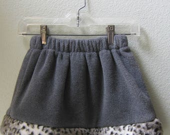 Little Girls Skirt gray fleece polartec with Faux Fur Leopard Trim, Winter skirt, Toddler Skirt, Faux Fur Skirt, Girl Skirt, Size 4
