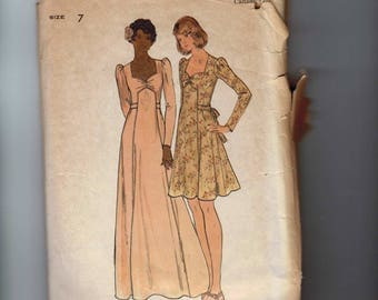 1970s Vintage Sewing Pattern Butterick 3941 Junior Misses Sweetheart Neckline Granny Dress Mini Size 7 Bust 31 70s 1970s