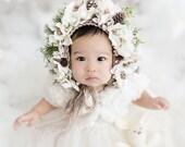 Baby hat, Garden Bonnet, Newborn Photo Prop, Christmas Bonnet, Christmas Photo Prop, Knit Baby Bonnet, Newborn Baby Girl Hat, Baby Hat
