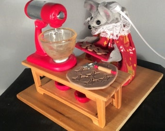 Mouse making Gingerbread Cookies!  NEW LOWER PRICE