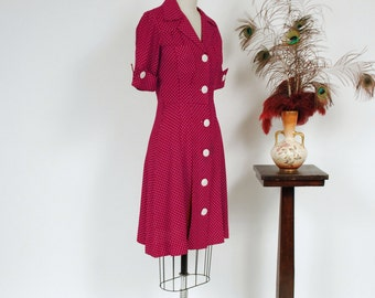 Vintage 1980s Dress - Fantastic 1940s Style Maroon Day Dress with Swiss Dots, Cut Pockets and Shell Buttons