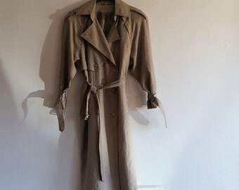 Vintage 1980s trench coat // khaki trench coat // minimalist trench coat