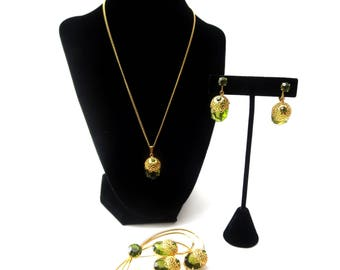 Gorgeous Vintage Sarah Coventry Touch of Elegance Gold Tone Faux Green Peridot Demi Parure Brooch, Clip On Earrings, & Pendant Necklace Set