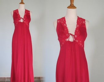 Sexy 80s Lipstick Red Night Gown by Van Raalte - Vintage Van Raalte Nightgown - Vintage 1980s Nightgown S M as is