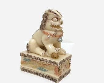 Small Chinese Foo Dog Statue - Vintage - Resin - Guardian Lion