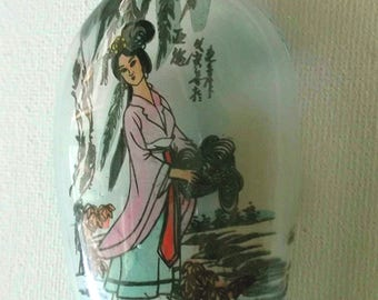Handmade Reverse Painted Concubine Empress Ornamental Glass Chinese Snuff Bottle