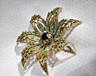 Signed Rhinestone Flower Brooch Art Mode Pin Vintage 60s Jewelry