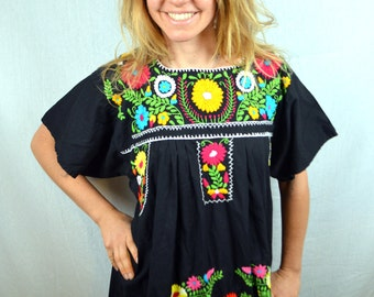 Embroidered Vintage 1970s 70s Vintage Oaxaca Mexican Floral Dress