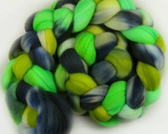 Aurora Borealis 1 merino wool top for spinning and felting (4.1 ounces)