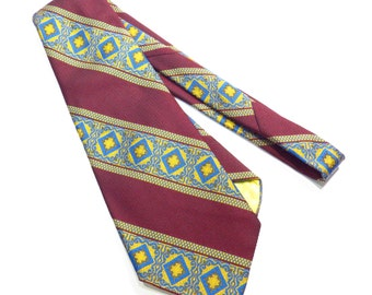 Mr John Imperial Beau Brummel Tie Vintage 1970s Wide Necktie Mens Retro Kitschy Tie - FREE Domestic Shipping