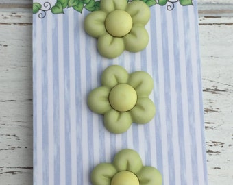 Green Flower Buttons, Carded Set of Novelty  Buttons by  Buttons Galore, Bazooples Collection, Style BZ133, Set of 3