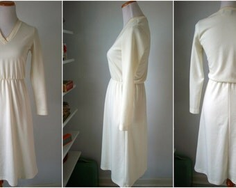 70s white and GOLD trim dress - V neck and elastic waist - made by ITEMS California