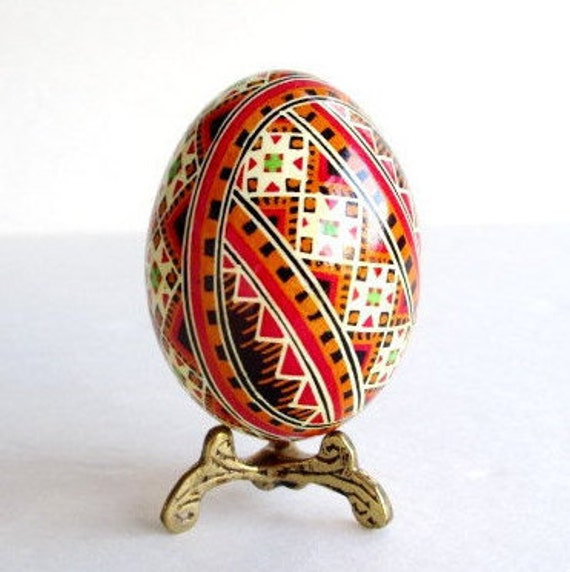 personalize this egg for mom from daughter Pysanki Ukrainian Easter egg chicken egg shell hand painted batik