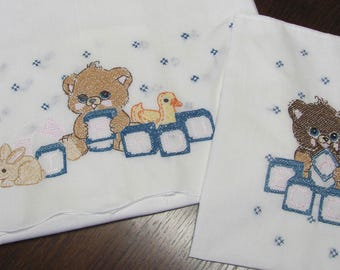 Vintage 2 Piece Embroidered Baby Infant Crib Set Sheet & Pillowcase Bears