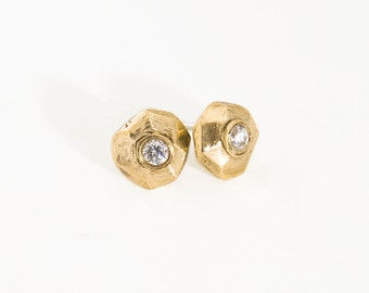 Solid 14k gold stud earrings Geometric stud earrings Diamond like bridal earrings Gold post earrings Gift for her