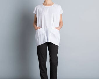 White oversize pocket top, button down back , kimono shirt, short sleeves, white summer top, loose fit, Crew Neck, plus size, modern blouse