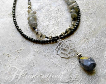 Labradorite double strand necklace, white rose, natural stones, black and gray, womens fashion, gifts for women, wedding jewelry, bridal