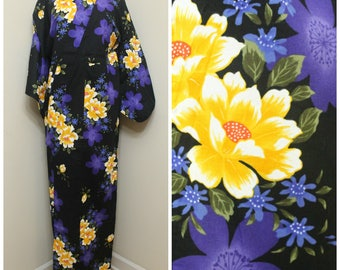 Japanese Vintage Yukata. Cotton Summer Robe in Black and Purple Floral (Ref: 1500)