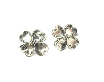Silver Flower Earrings. Dogwood Blossoms. Beau Sterling Silver. Engraved, Repoussé. Screw Backs. Vintage 1960s Retro Jewelry