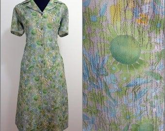 Retro VINTAGE 1970s Pastel Green Garden Flowers Button Front Dress 18 46 / Floral / Dagger Collar / A-Line