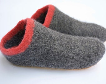 Boiled Wool Slippers - Clogs made from Felted Merino Wool - Charcoal Grey w Coral Stripe