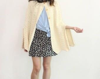 vintage ivory scalloped hem crochet shawl poncho