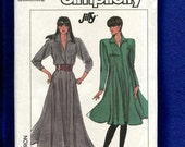 1980's Simplicity 8229 Retro Super Flared Zipper Front Dresses with Strong Shoulders Size 20..22...24 UNCUT